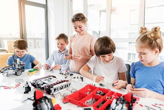 Engineering & Robotics in School: The Role of PBL, Lego® Building Blocks