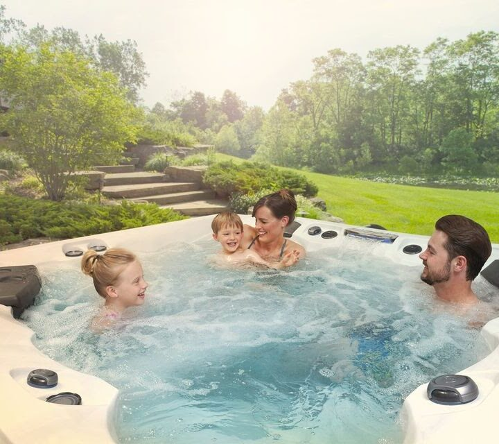 Select the Best Out of Hot Tubs For Sale and Release Your Everyday Work Stress