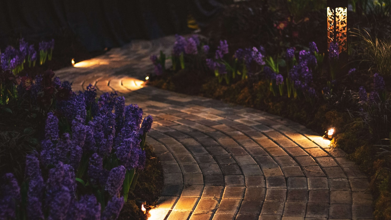Reasons to Opt for Paving Stones for your Driveway