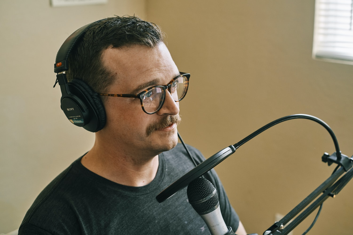 Best Voice-Over Recording Methods to Capture Your Target Audience