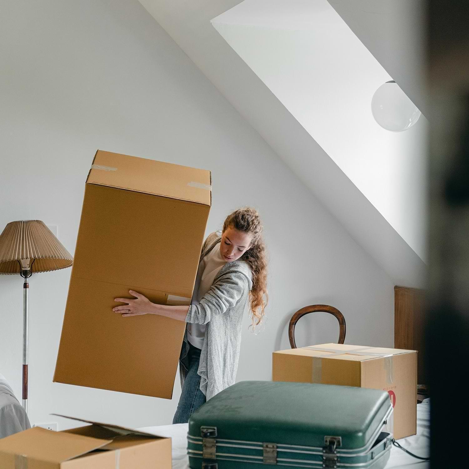 4 Smart Ways to Deal With Unwanted Stuff Before Moving