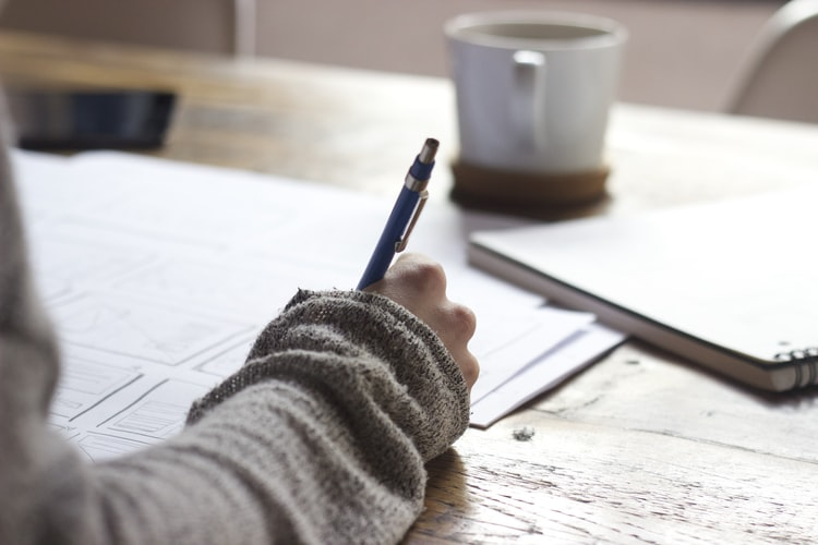 7 Reasons To Choose A Professional Essay Writing Service