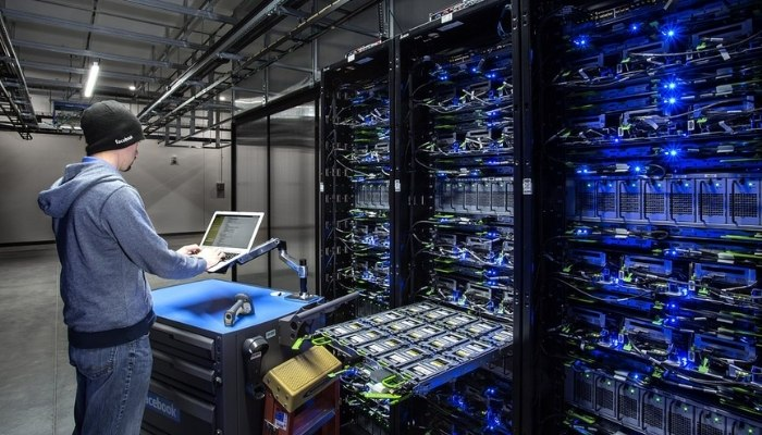 How to Choose the Best Data Center in Mumbai for Your Business?