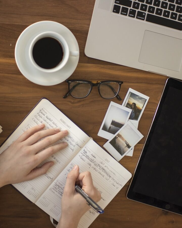 How to Make Content Writing a Full-Time Job?