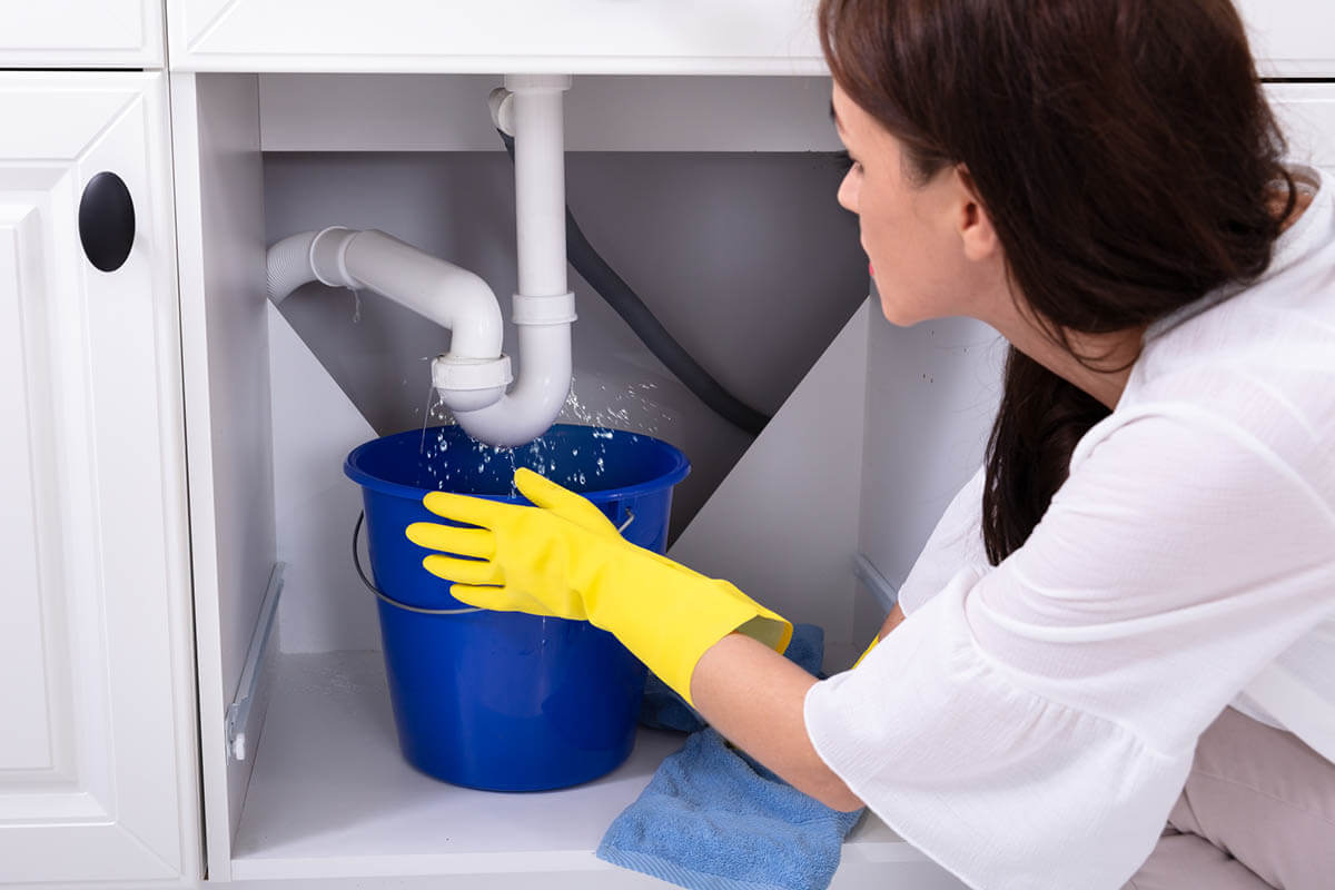 A Guide on How to Hire the Best Plumber