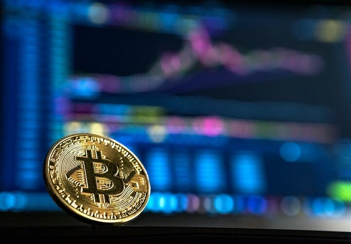 How can you stay away from bitcoin scams and troubles in 2021?