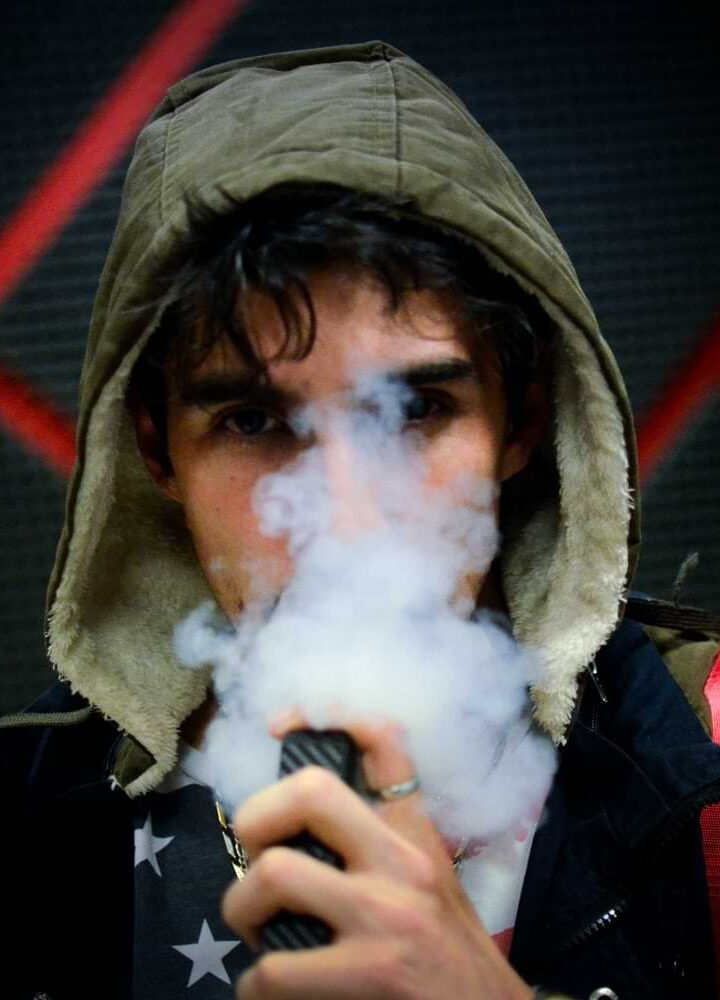 THC Edibles Vs Vaping: Which Produces Stronger Effects?