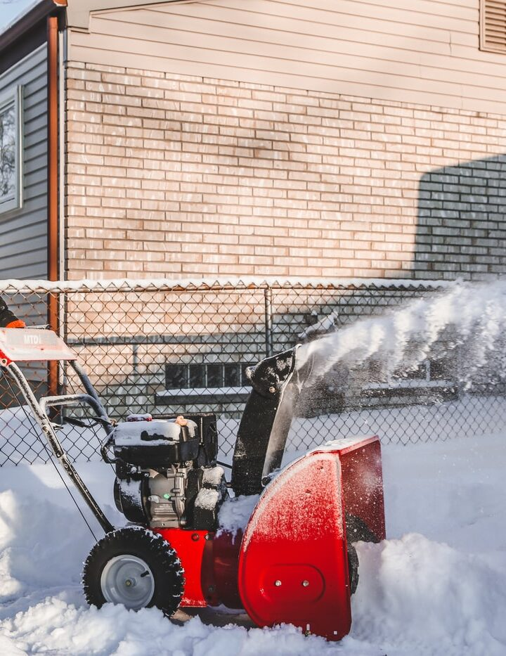 4 Tips For Using A Snow Blower Safely