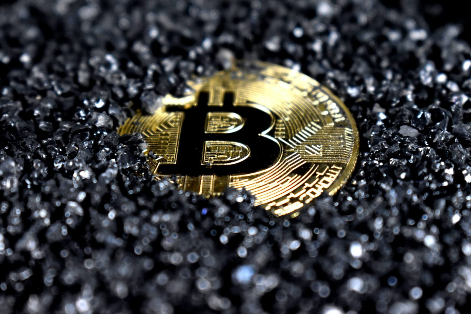 Crypto Currencies- A Simple SWOT