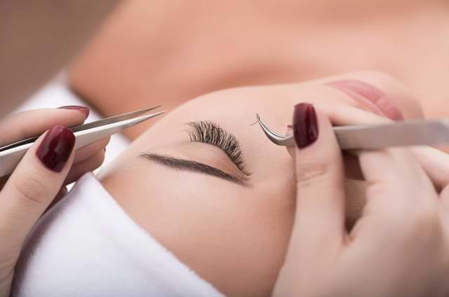 7 Reasons to Choose Classic Eyelash Extensions