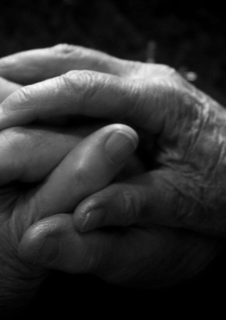 What's the role of hormones in rheumatoid arthritis?
